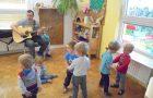 16.11. – DV1 – Obiskal nas je Galov ati s kitaro